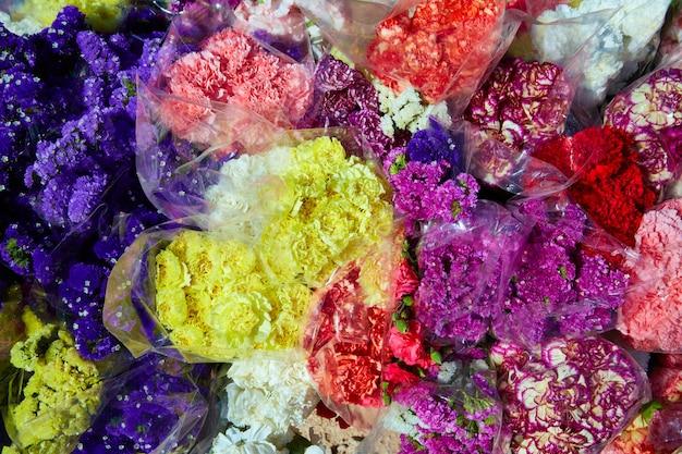 Bouquets de bando de flores coloridas