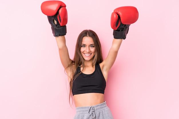 Boxe desportivo caucasiano jovem