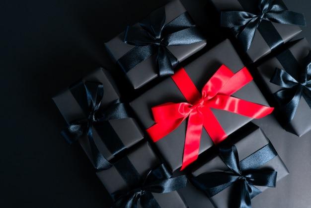Boxing day sale concept caixa de presente de natal em cimento