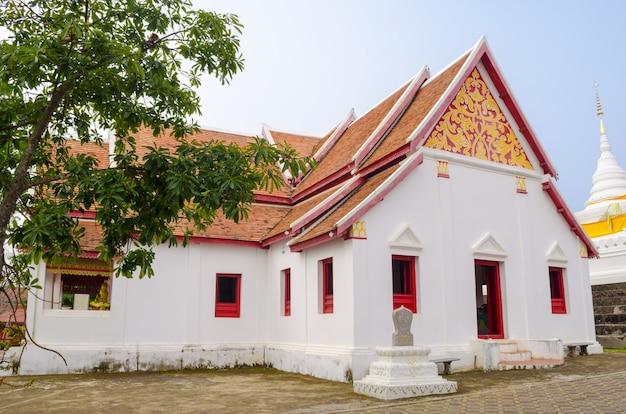 Branca, igreja, com, árvore, em, templo, em, nan, tailandia