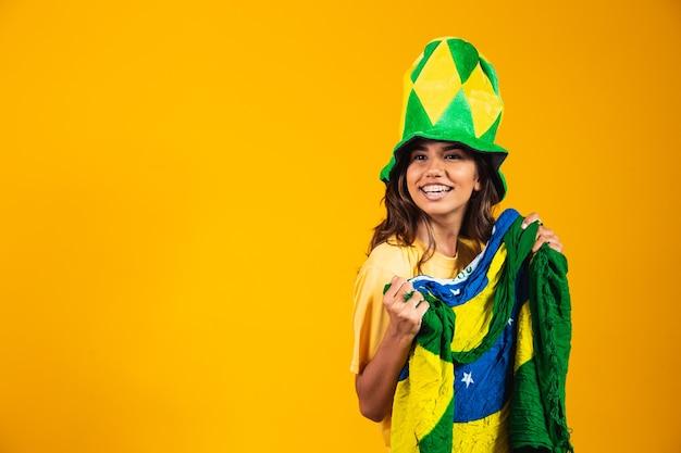 Brasileiro comemorando a independência do brasil. 07 de setembro. fã brasileiro