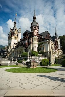 Brasov, romênia, castelo de peles