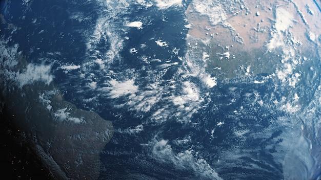 Brilho planeta terra vista da ilustração 3d do espaço escuro