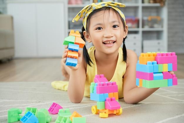 Brincando com blocos