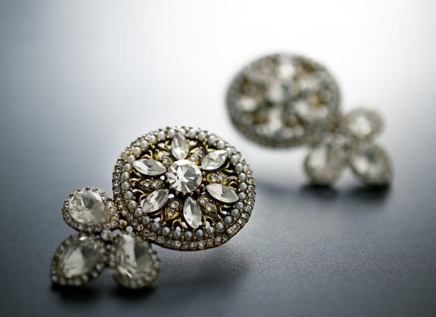 Brincos de diamantes, antiguidade e vintage