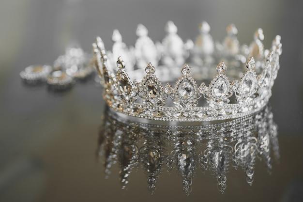 Brincos jóias coroa