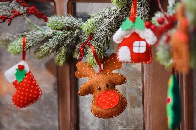 Brinquedo artesanal de natal de feltro