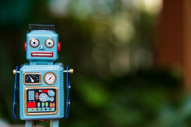 Brinquedo de lata vintage robô