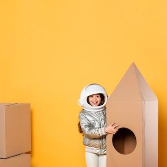 Brinquedo dos desenhos animados da nave espacial