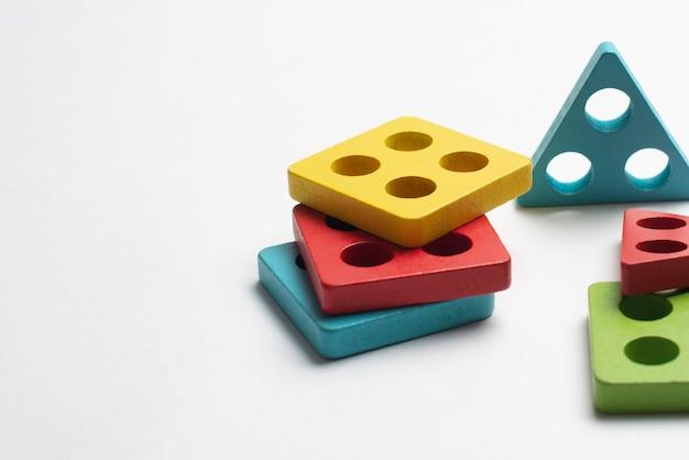 Brinquedo em desenvolvimento colorido para crianças