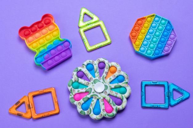 Brinquedos anti-stress estouram, covinha simples.
