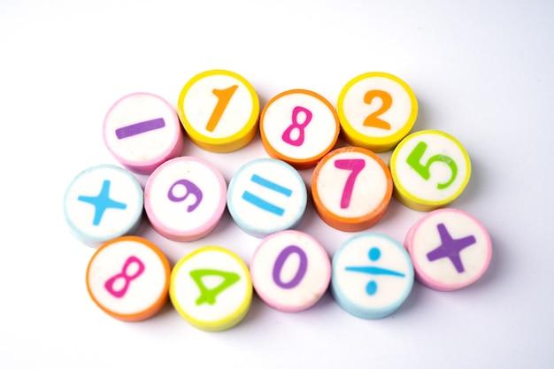 Brinquedos coloridos da math number