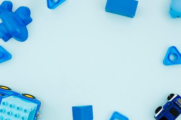 Brinquedos de crianças plana leigos com espaço de cópia