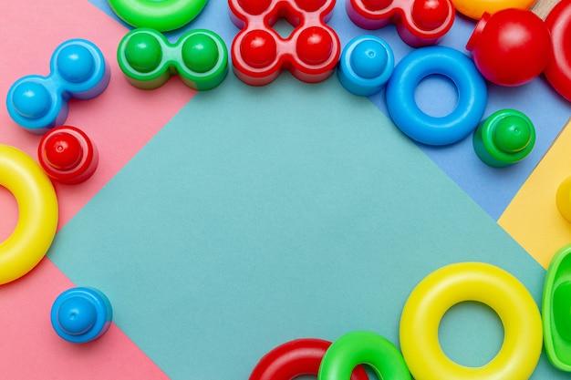 Brinquedos de educação infantil infantil colorido fundo de quadro