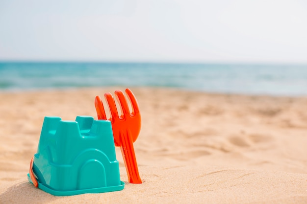 Brinquedos de praia para crianças no verão