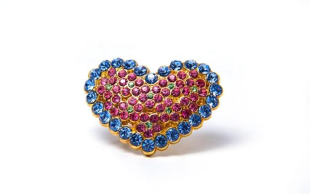 Broche em forma de coração ornamento dourado em forma de coração