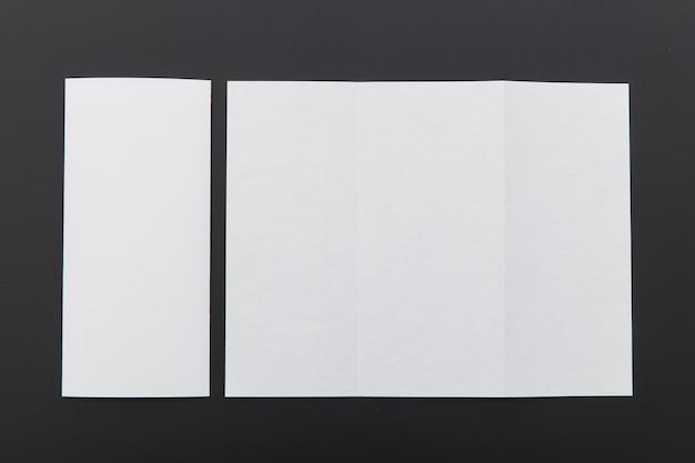 Brochuras de tamanhos diferentes