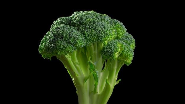 Brócolis close-up, brócolis fresco na mesa preta, vegetais verdes