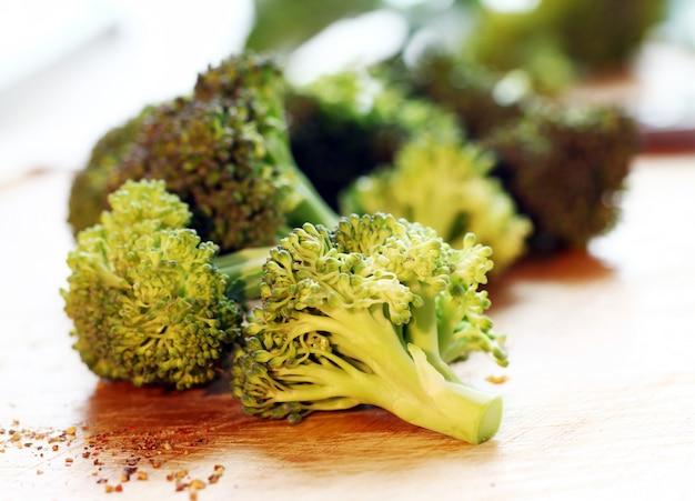 Brócolis verde fresco