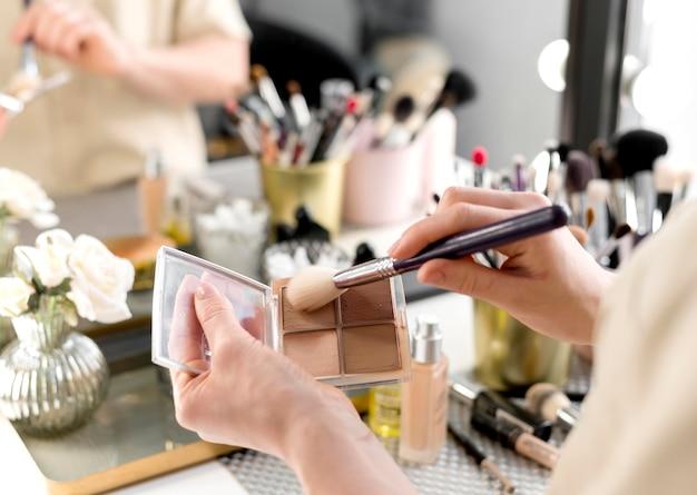 Bronzer de close-up maquiagem