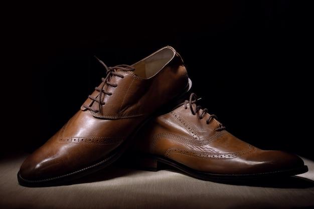 Brown mans sapatos de couro artesanais da moda