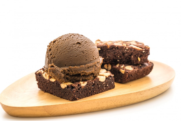 Brownies de chocolate com sorvete de chocolate