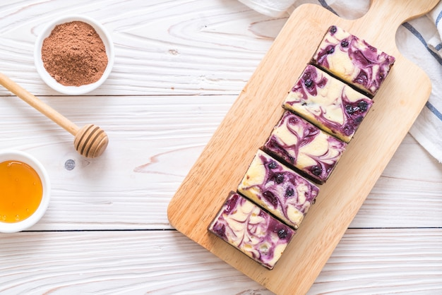 Brownies de queijo de mirtilo