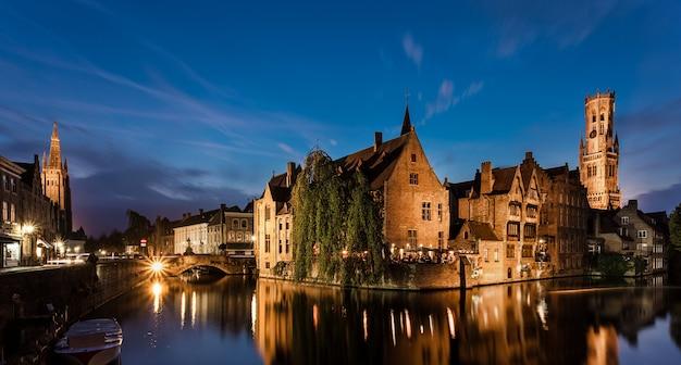 Bruges é uma cidade bonita e característica em flandres bélgica
