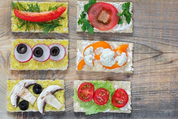 Bruschettas com vegetais diferentes