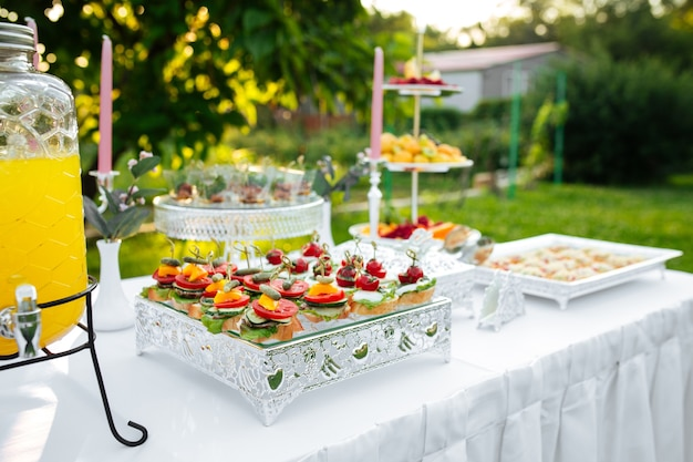 Bruschettas de aperitivo de banquete para catering