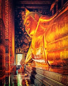 Buda reclinado, tailândia