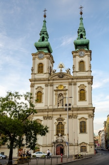 Budapeste hungria igreja da assunção igreja do centro da cidade
