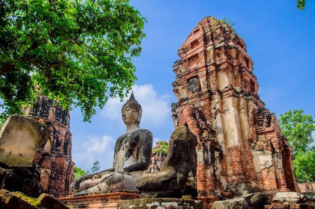 Buddha grande, wat mahathat em ayutthaya de tailândia.