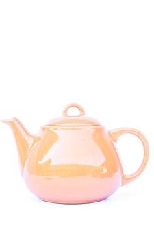 Bule de cerâmica laranja isolado no fundo branco