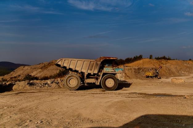 Bulldozer área industrial construção de trabalho de geologia