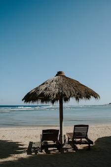 Bungalows no lado da praia