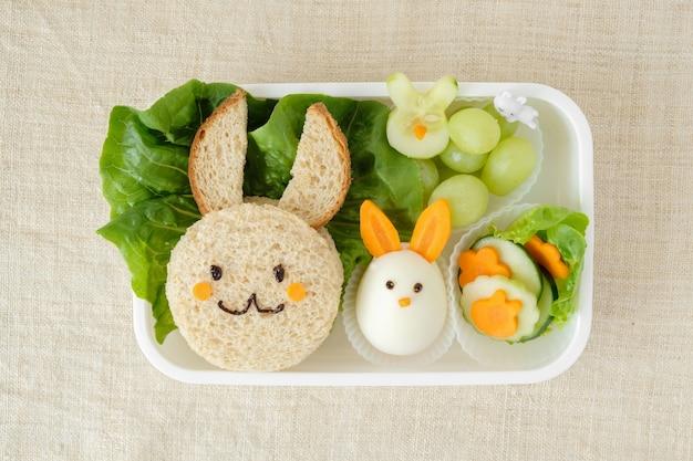 Bunny rabbit lancheira de páscoa, divertido arte de comida para crianças
