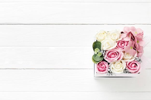 Buquê de flores de cópia-espaço