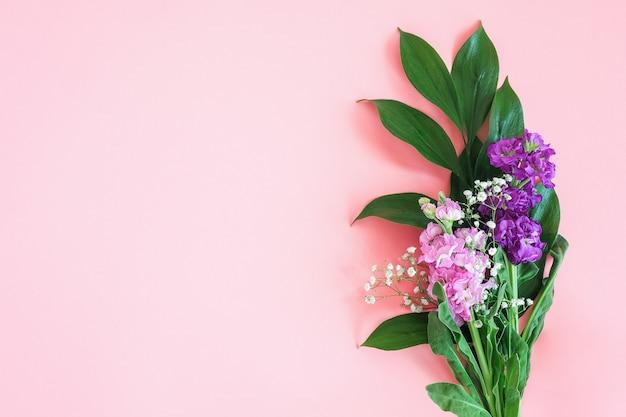 Buquê de flores em rosa