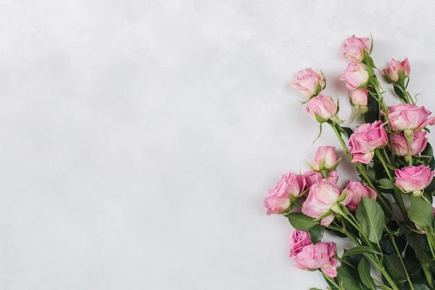 Buquê de flores frescas e belas