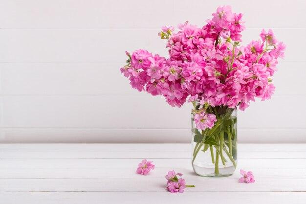 Buquê de flores matthiola