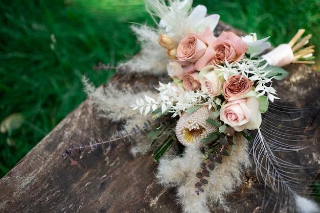 Buque de noiva. bouquet de flores no estilo boho. buquê de casamento boho