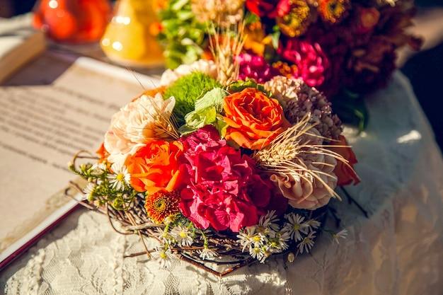 Buquê de noiva de casamento no tema outono.