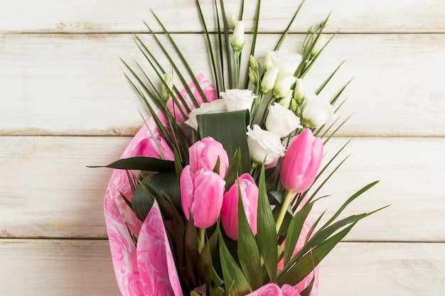Buquê fresco de flores