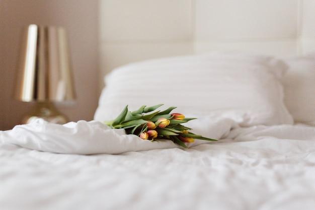 Buquê, tulipas, manhã, ternura, interior, presente