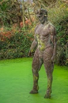 Buraco diabo a estátua hdr