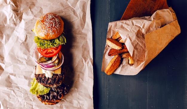 Burger decomposto em seus componentes