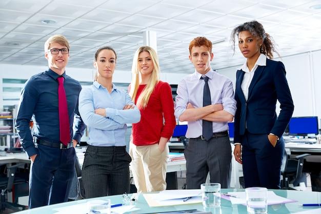 Business executive team youg pessoas no escritório