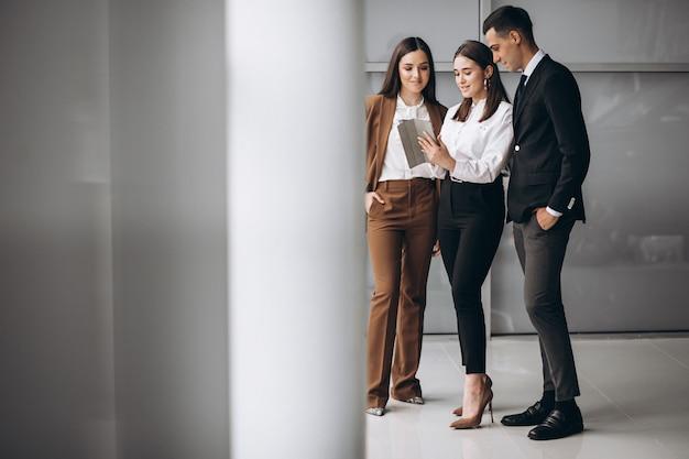 Bussiness pessoas trabalhando em equipe em um escritório
