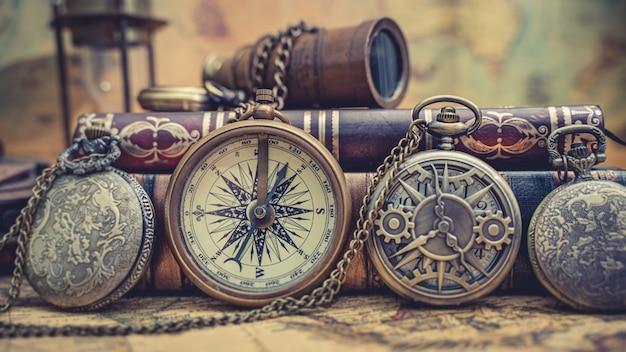 Bússola de latão náutica pirata